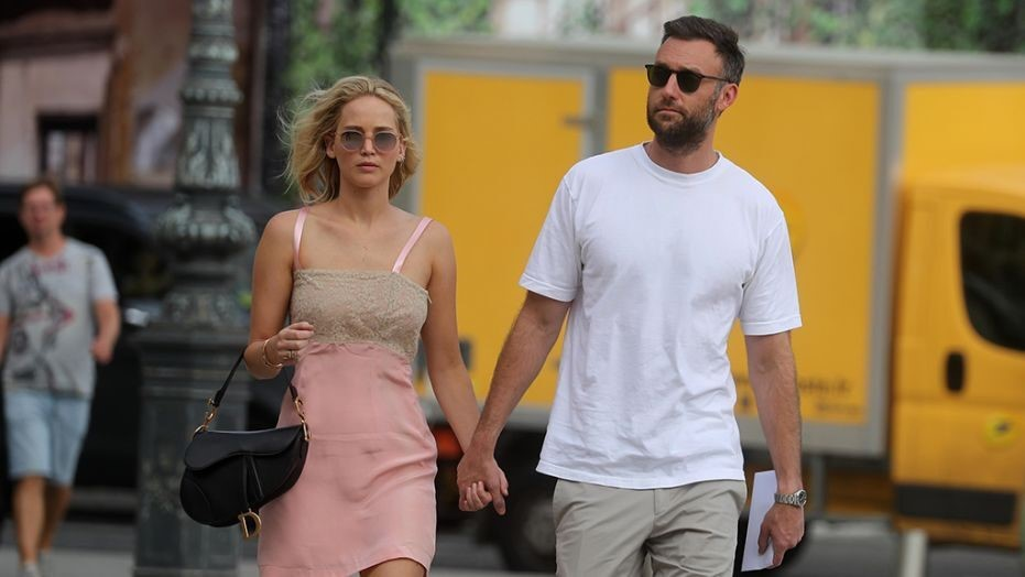Jennifer Lawrence & Cooke Maroney Are Officially Married!